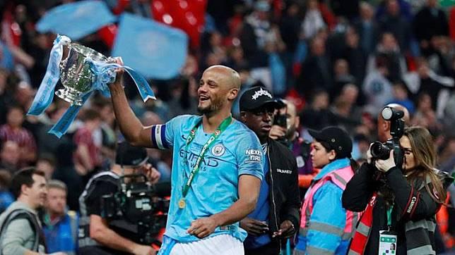 Manchester City Akan Bikin Patung Vincent Kompany di Etihad