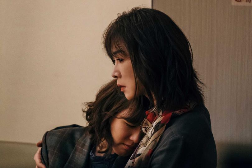 謝盈萱在《孤味》飾演灑脫的大姊。(圖片/威視提供)