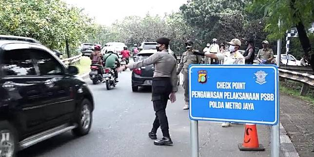 Chek Point Pengawasan Pelaksanaan PSBB Polda Metro Jaya