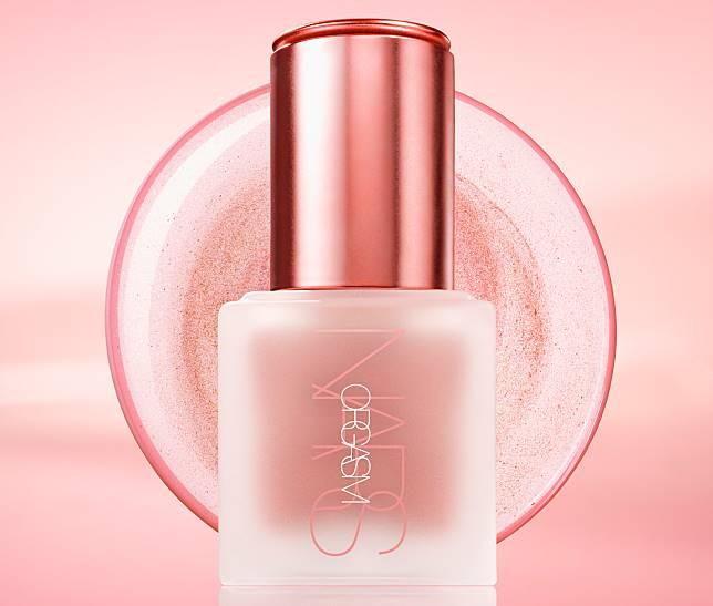液體highlighter($310),輕輕一滴就可以塑造到粉嫩亮麗的立體妝容。