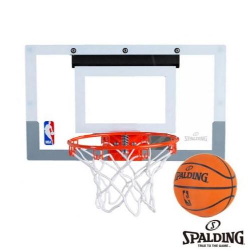 【商品資訊】定價:1150元名稱 : 斯伯丁 SPALDING NBA 等比例 小 籃板 籃球(透明籃板+彈簧鋼框)材質 : 聚碳酸酯尺寸:46公分*27公分籃框材質 : 鋼 直徑 22 公分籃球材質