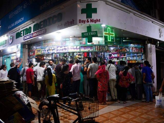 Warga India Serbu Toko dan Apotek pada Hari Pertama Lockdown