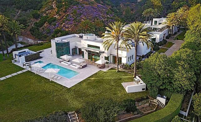 Rumah bankir sekaligus miliarder Arab Saudi Sheikh Saleh Abdullah Kamel. Foto: Realtor.com