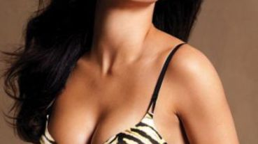 維多利亞秘密(Victoria's Secret)天使降臨 Adriana美胸對戰Candice翹臀