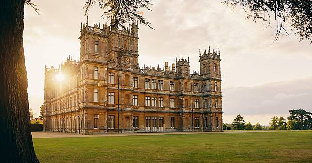 ปราสาทที่ใช้ถ่ายทำ Downton Abbey เปิดให้นักท่องเที่ยวพักดุจท่านลอร์ดและเลดี้ผ่าน Airbnb