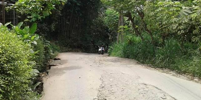 Tanjakan Keramat Citayam (oomph.co.id)