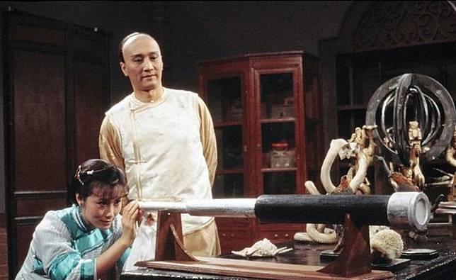 故事講述出身官宦的秋瑾,思想開放,力倡女權,後來嫁給謝賢飾演的王廷鈞。(互聯網)