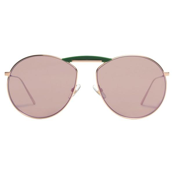 久必大眼鏡‧ 韓國時尚潮牌 x 世紀品牌之最‧ 新潮與復古、狂野與優雅集於一體‧ 老靈活注入鮮活新設計店家貨號:N24012BSMI:D3B465型號:GENTLE FENDI NO.2 FF0369