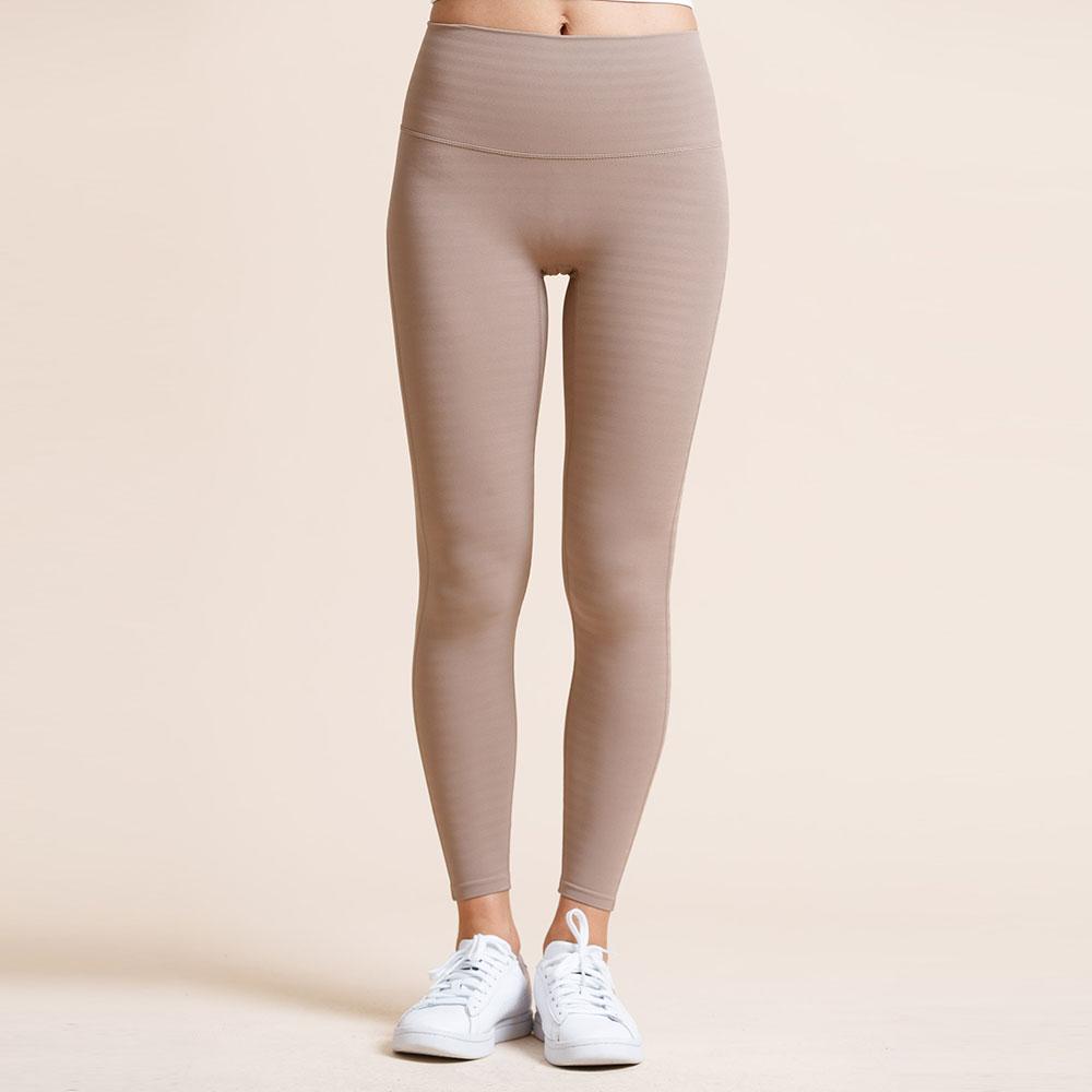 Seamless 無縫款微線條裸感高腰九分運動褲-Milktea