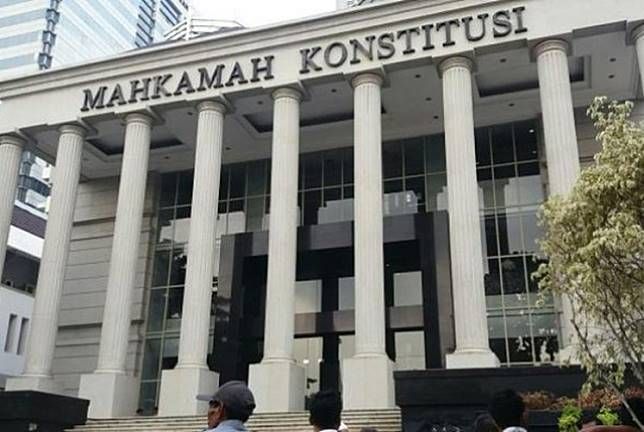 The Constitutional Court building is in Central Jakarta . A Chinese-Indonesian student has submitted a judicial review challenging Yogyakarta's ban on 'non-pribumi' land ownership.