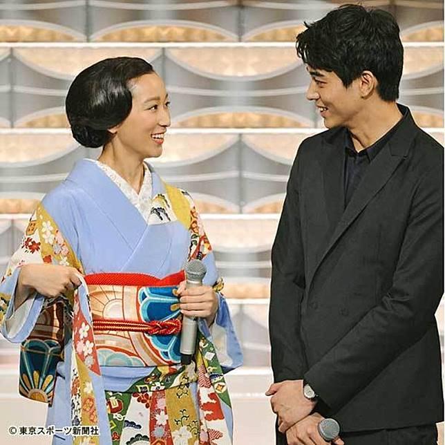 東出昌大當年追求渡邊杏後,但仍十分花心向其他女星兜搭。
