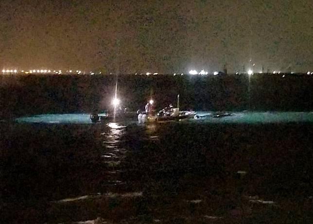 海關淺水巡邏艇在沙洲對開海域發生意外。