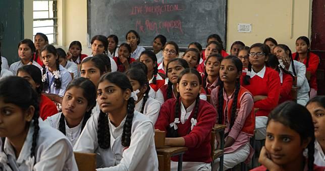 離譜校規!生理期不准住宿  68女學生被逼「脫內褲」檢查