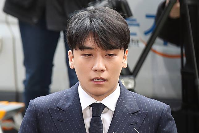 Seungri questioned on suspicion of sexual solicitation
