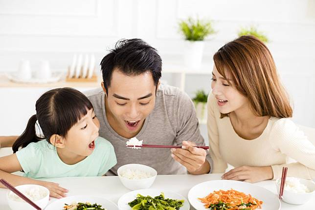 More Chinese men open to the idea of becoming stay-at-home fathers