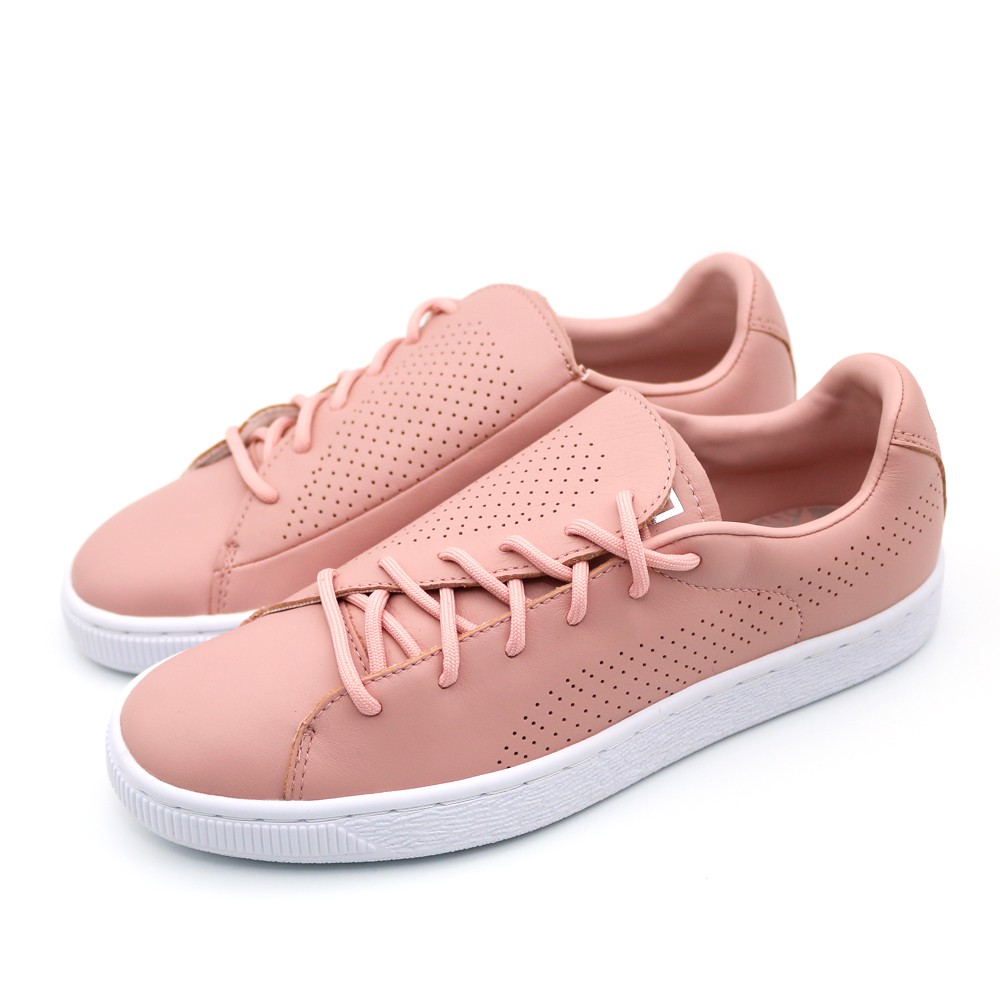PUMA 日前藉由其年度女力美鞋 PUMA Basket Crush 的上市,特別邀請性格女力謝欣穎首發響應 #自由說愛 活動,透過 PUMA Basket Crush 特殊不對稱的斜角鞋舌設計,象徵