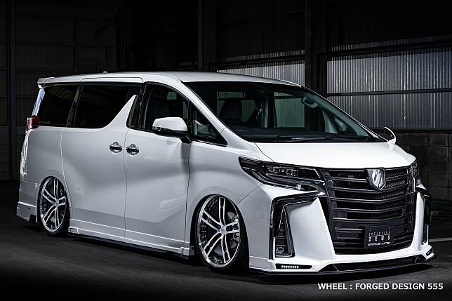 Toyota Alphard dengan body kit terbaru dari Mz Speed