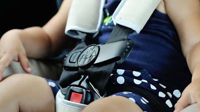 Ilustrasi anak meninggal di dalam mobil. (Shutterstock)