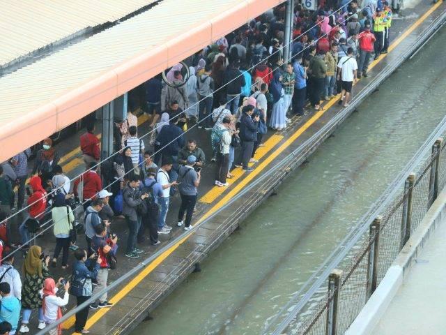 Banjir Sebabkan KA Terlambat 3 Jam, Adakah Kompensasi untuk Penumpang?