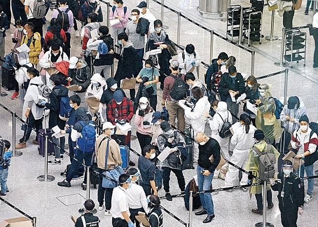海外回港人士確診感染新冠肺炎比例高。