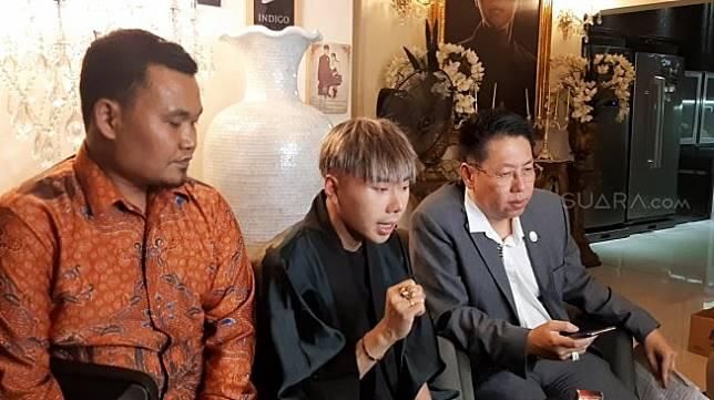 Roy Kiyoshi (tengah) [Suara.com/Sumarni]