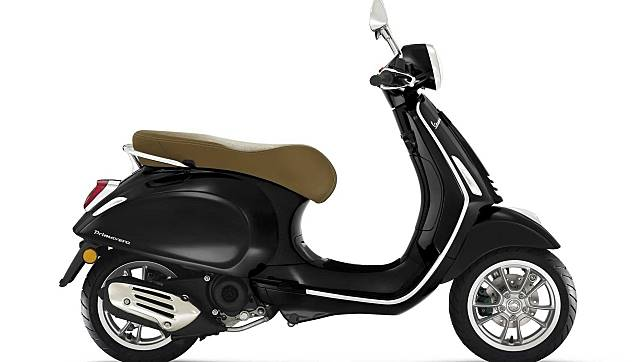 Penampilan Vespa Primavera 50 cc 2020.
