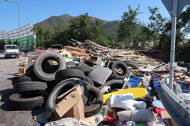 環保署提醒必須依法妥善將工商廢料及建築廢物運送至政府的廢物處置設施。資料圖片