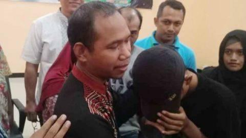 Tangis Minta Maaf Aris, Siswa di Gresik yang Tantang Gurunya Berkelahi