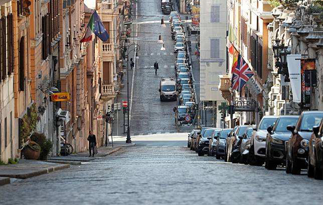 A general view of an almost empty street, as the spread of the coronavirus disease (COVID-19) continues, in Rome, Italy April 7, 2020.