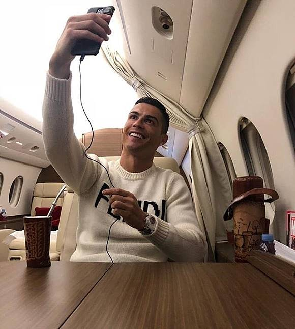 Emiliano Sala Plane Missing Gary Lineker Criticises Cristiano Ronaldo For Private Jet Selfie Not The Day For This It Really Isnt