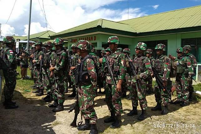 Aparat TNI yang ditugaskan untuk melakukan evakuasi ke Yigi.(KOMPAS.com/ ISTIMEWA)   Artikel ini telah tayang di Kompas.com dengan judul