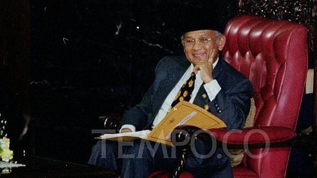 Presiden BJ Habibie saat sidang umum Tahun 1999 di Gedng MPR/DPR. BJ Habibie menjadi Presiden RI menggantikan Soeharto yang mengundurkan diri dari jabatan presiden pada 21 Mei 1998. Dok.TEMPO/ROBIN ONG
