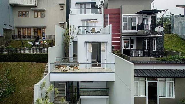 White Cliff Pesona Rumah Minimalis Cantik di Lereng Bukit