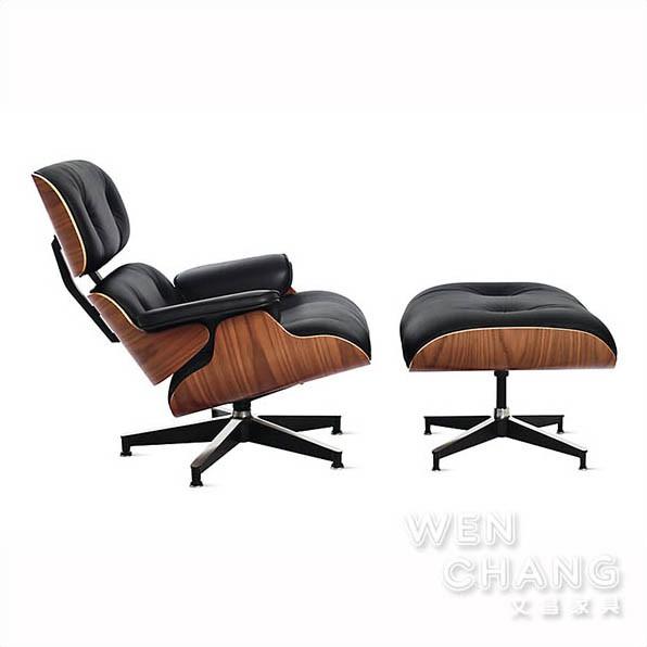 ●商品材質 描述義大利牛皮 顏色: 黑色 / 白色由美國Eames夫婦設計,被MOMA現代博物館裂為經典館藏,Lounge Chair已經成為二十世紀最重要的家具之一,夫妻檔設計師 Charles (
