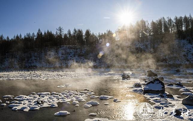 ปรากฏการณ์อัศจรรย์ของ 'สายน้ำที่ไม่เคยเยือกแข็ง' แห่งมองโกเลียใน