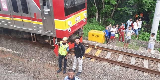KRL Alami Gangguan di Antara Stasiun Rangkasbitung-Citeras, Penumpang Tertahan Satu Jam