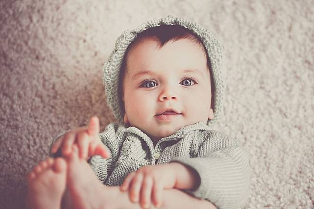 ilustrasi adik bayi
