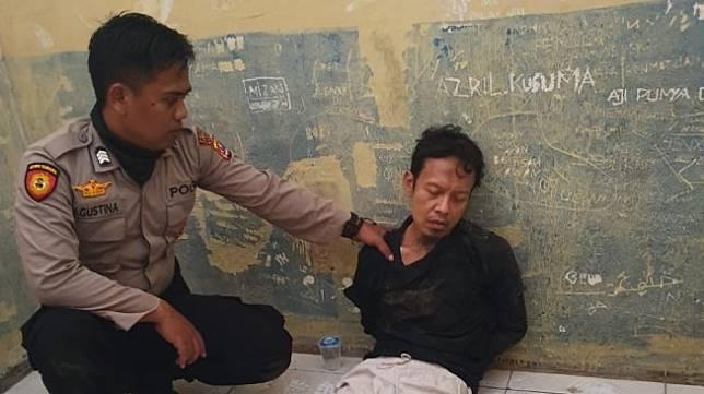 Pelaku penusuk Wiranto. (IST)