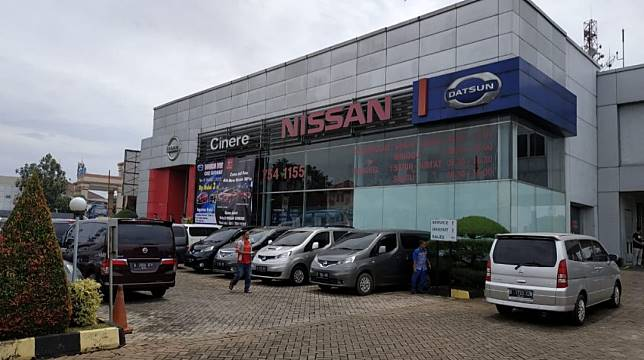 Suasana di dealer Nissan-Datsun Cinere