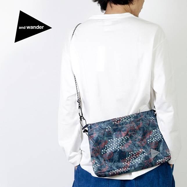 and wander Printed Sacoche Bag(互聯網)