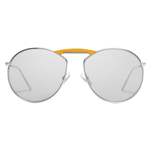 久必大眼鏡‧ 韓國時尚潮牌 x 世紀品牌之最‧ 新潮與復古、狂野與優雅集於一體‧ 老靈活注入鮮活新設計型號:GENTLE FENDI NO.2 FF0369SBSMI:D3B465尺寸:59-16-1