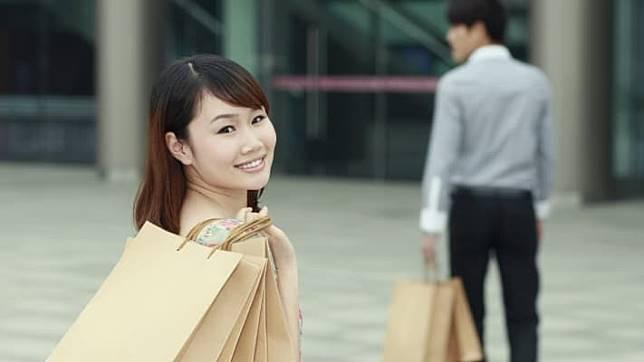 สาวโสดจีน หันไปหาแฟนเสมือนจริง ไม่ต้องหาคู่ ไม่ต้องคิดมีครอบครัวใหม่