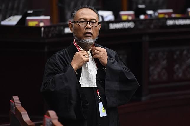 Ketika Bambang Widjojanto diancam diusir oleh hakim MK