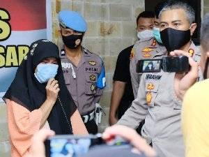 Wanita Banting Alquran di Makassar Magister Psikologi