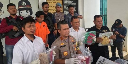 Polisi amankan pembunuh wanita terikat di semak-semak. ©2019 Merdeka.com/Kirom