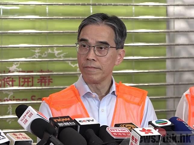 劉天成表示,紅磡站事故處理需時,今日未必能恢復服務。(周仲文攝)