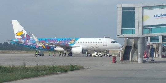 Pesawat Citilink di Bandara APT Pranoto. ©2019 Merdeka.com/Istimewa