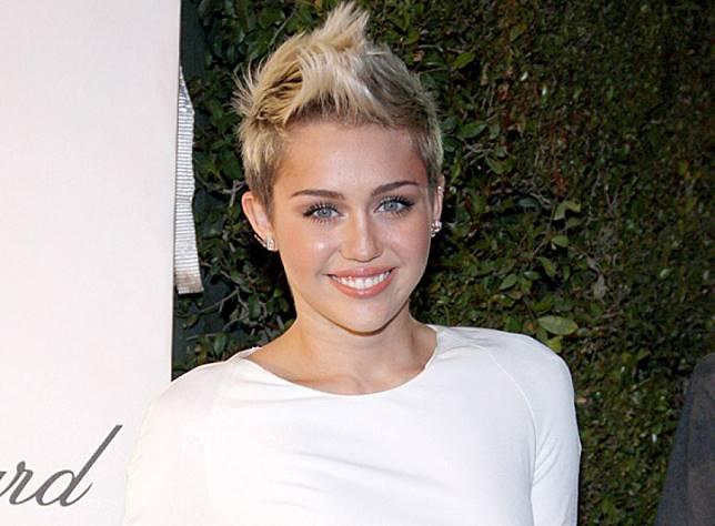 Hubungan Miley Cyrus  dan Kaitlynn Carter Kandas