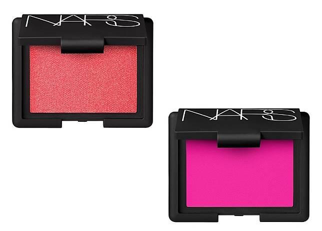 同步登場的10色Nars皇牌胭脂,可配合不同妝效需要,為俏臉打造好氣色。(互聯網)