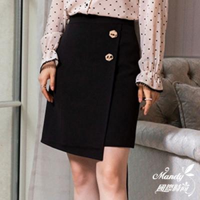 Mandy國際時尚 短裙 獨特側邊鈕扣不規則素色半身裙(2色) 【韓國服飾】
